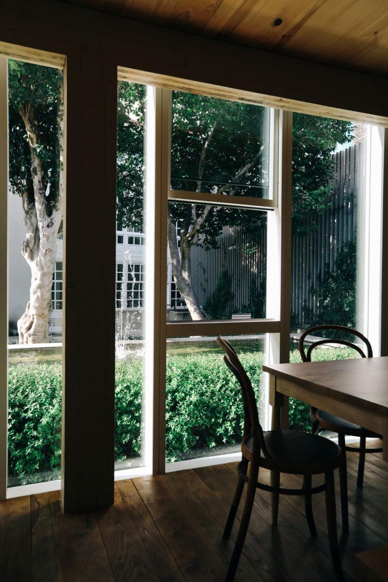 peaceful-urban-private-garden-santiago-de-compostela-800x1200