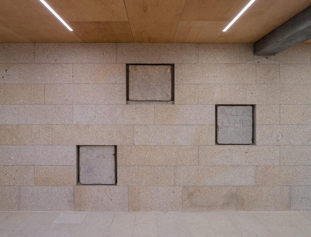 171117-Murado-Elvira-Biblioteca-Baiona-015-1024x782
